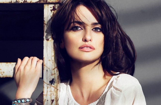 / Madrid, 2009 / Actress PENELOPE CRUZ models her and her sister Monica's latest Mango collection. This season Mango has loads of fringes, plaids, ruffles, cotton and denim., Image: 97947870, License: Rights-managed, Restrictions: **ES PT MX out**, Model Release: no, Credit line: Profimedia, Most Wanted Pictures