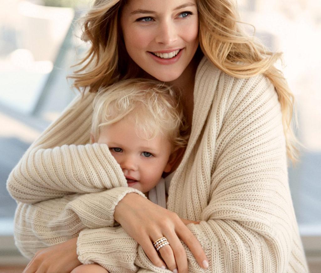 """La modelo holandesa Doutzen Kroes, uno de los """"‡ngeles"""" de Victoria«s Sectet, en los anuncios para Tiffany & Co."""