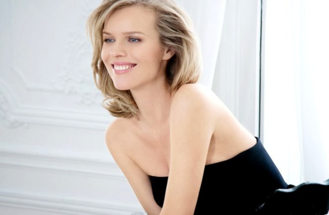 Eva Herzigova for Dior Capture Totale 2014, Image: 182582587, License: Rights-managed, Restrictions: , Model Release: no, Credit line: Profimedia, Thunder Press