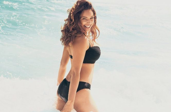 English model and actress Kelly Brook poses in bikini for New Look Swimwear April 2014 collection., Image: 191644339, License: Rights-managed, Restrictions: EDITORIAL USE ONLY, Model Release: no, Credit line: Profimedia, Balawa Pics