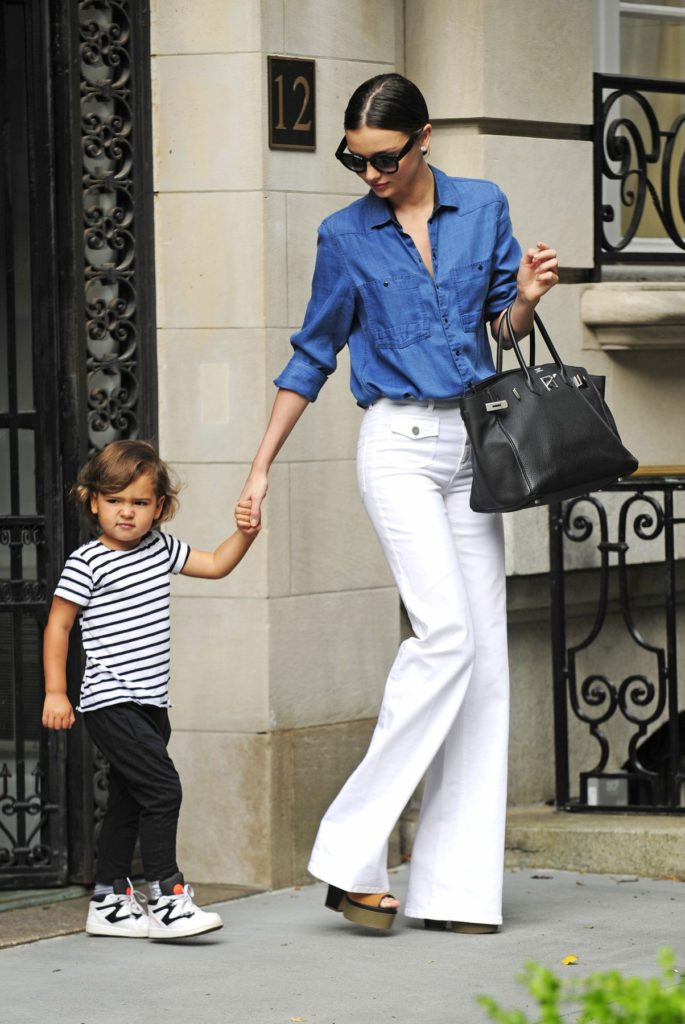 122126, EXCLUSIVE: Miranda Kerr holds her son Flyn's hand while coming out of their apartment on the Upper East Side in NYC. New York, New York - Thursday July 3, 2014., Image: 198057793, License: Rights-managed, Restrictions: , Model Release: no, Credit line: Profimedia, Pacific coast news