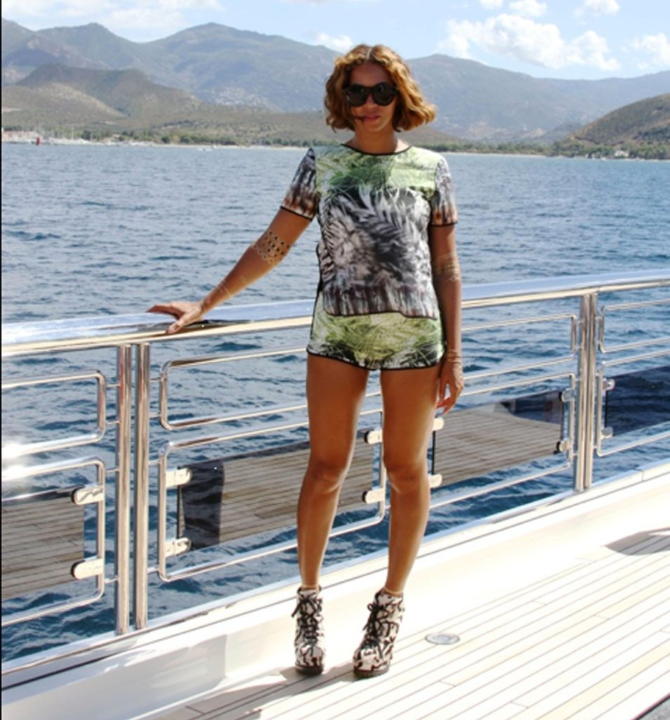 17.SEPT.2014 BEYONCE IN THIS GREAT CELEBRITY TWITTER PICTURE!, Image: 205727590, License: Rights-managed, Restrictions: PLEASE CREDIT AS PER BYLINE *UK CLIENTS MUST CALL PRIOR TO TV OR ONLINE USAGE PLEASE TELEPHONE 0208 344 2007*, Model Release: no, Credit line: Profimedia, Xposurephotos