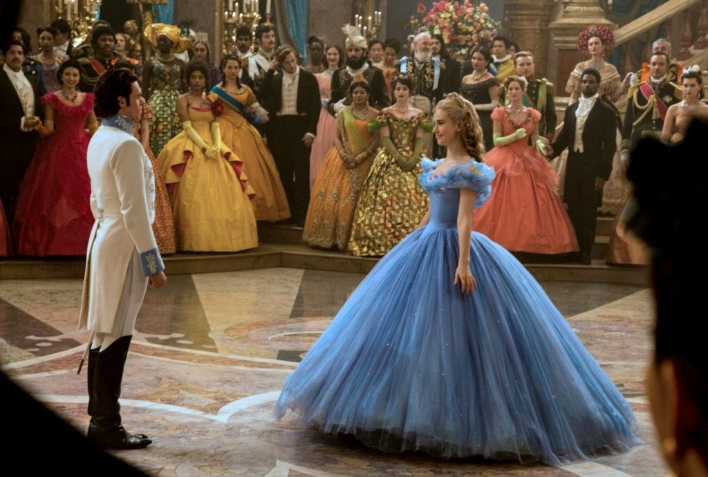 CINDERELLA, from left: Richard Madden, Lily James as Cinderella, 2015., Image: 225358747, License: Rights-managed, Restrictions: ©Walt Disney Co./Courtesy Everett Collection, Model Release: no, Credit line: Profimedia, Everett