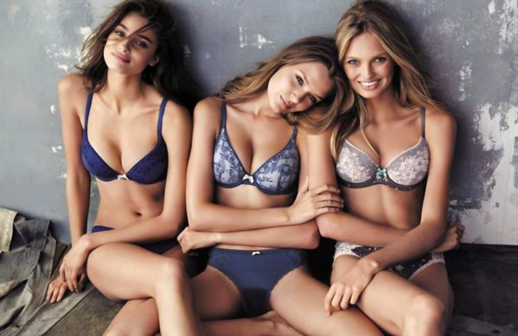 Victoria's Secret has posted a photo on Twitter with the following remarks: Besties. Babes. Body By Victoria. Twitter, 2015-09-17 18:08:09. Photo supplied by insight media. Service fee applies. This is a private photo posted on social networks and supplied by this Agency. This Agency does not claim any ownership including but not limited to copyright or license in the attached material. Fees charged by this Agency are for Agency's services only, and do not, nor are they intended to, convey to the user any ownership of copyright or license in the material. By publishing this material you expressly agree to indemnify and to hold this Agency and its directors, shareholders and employees harmless from any loss, claims, damages, demands, expenses (including legal fees), or any causes of action or allegation against this Agency arising out of or connected in any way with publication of the material., Image: 259049232, License: Rights-managed, Restrictions: Photo supplied by insight media. For editorial use only. Single rate handling fee required., Model Release: no, Credit line: Profimedia, Insight Media