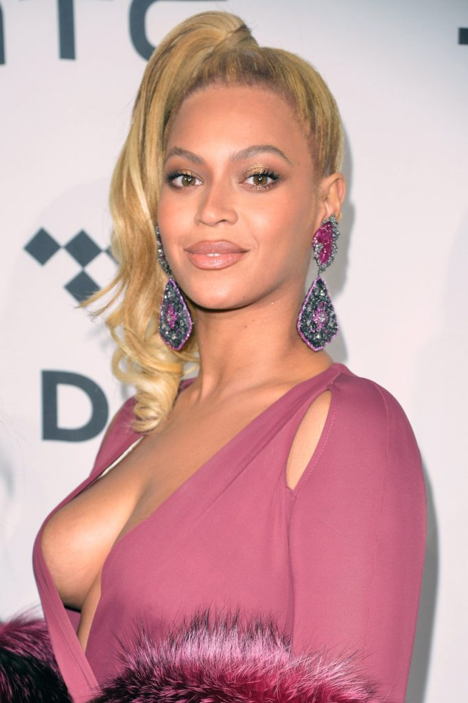NEW YORK, NY - OCTOBER 20: Beyonce attends TIDAL X: 1020 in Brooklyn, New York on October 20, 2015 in New York City., Image: 263316210, License: Rights-managed, Restrictions: , Model Release: no, Credit line: Profimedia, Face To Face A