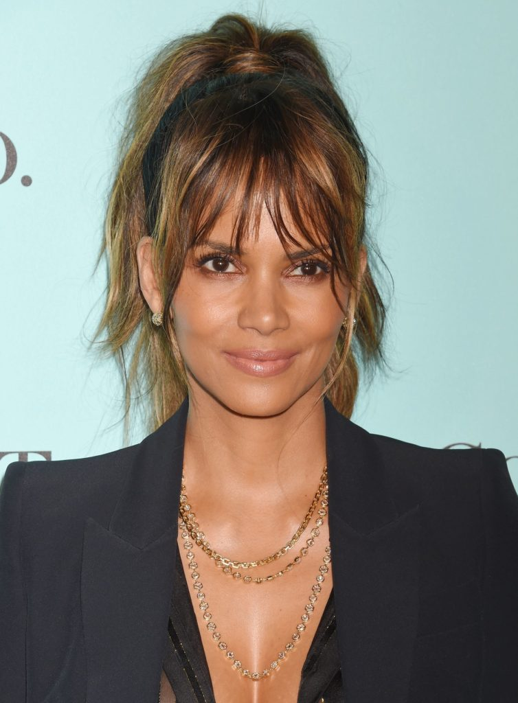 158275, Actress Halle Berry arrives at the Tiffany And Co. Celebrates Unveiling Of Renovated Beverly Hills Store at Tiffany & Co. Beverly Hills, California - Thursday October 13, 2016. © Joe Sutter, PacificCoastNews. Los Angeles Office (PCN): +1 310.822.0419 UK Office (Photoshot): +44 (0) 20 7421 6000 sales@pacificcoastnews.com, Image: 302817024, License: Rights-managed, Restrictions: JFY1, Model Release: no, Credit line: Profimedia, Pacific coast news