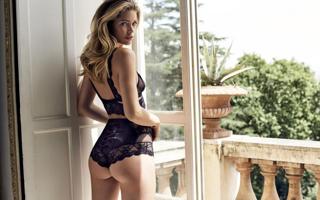 Dutch model Doutzen Kroes stunts in the new 2016 lingerie collection of Hunkemšller., Image: 304663803, License: Rights-managed, Restrictions: EDITORIAL USE ONLY, Model Release: no, Credit line: Profimedia, Balawa Pics