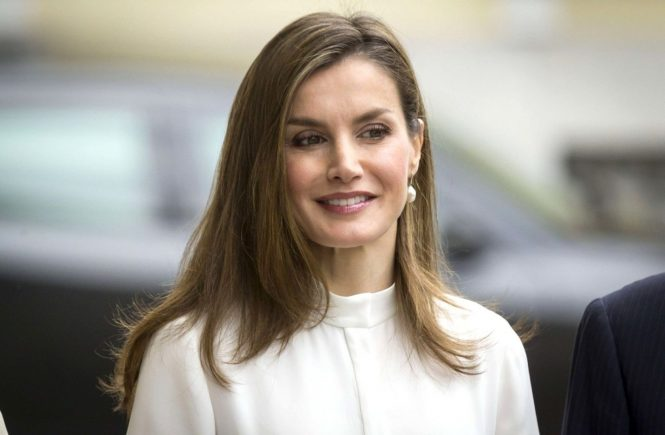 Queen Letizia of Spain attends the 10th Anniversary of 'Microfinanzas BBVA' at the BBVA Bank Foundation on May 29, 2017 in Madrid, Spain. //CORDOBANAVALPOTRO_1341.009/Credit:Miguel Cordoba/SIPA/1705291353, Image: 333954542, License: Rights-managed, Restrictions: , Model Release: no, Credit line: Profimedia, TEMP Sipa Press