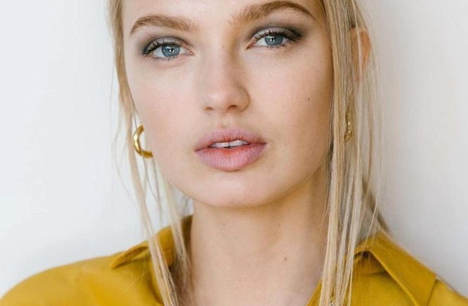 "Romee Strijd (romeestrijd / 10.09.2017): ""Romee Stijd backstage at Public School S/S 2018 #romeestrijd #publicschool #nyfw #ss18 #backstage #beauty #makeup #model #vsangel #fashionshow #fashion #style #fashionweek #coreytenold #vogue, Image: 349017627, License: Rights-managed, Restrictions: , Model Release: no, Credit line: Profimedia, Face To Face A"