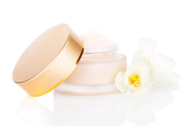 Luxurious cosmetic background. Cream in jar with blossom isolated on white background. Feminine skin care concept., Image: 191027000, License: Rights-managed, Restrictions: , Model Release: no, Credit line: Profimedia, Martina Kováčová - com.ilustracni