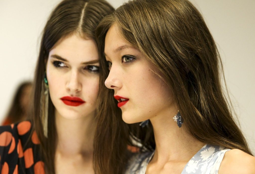 Sept. 20, 2015 - London, England - Topshop Unique..FASHION MODEL ON BACKSTAGE, PAP READY TO WEAR LONDON SPRING SUMMER 2016 COLLECTION , DEFILE , PRET A PORTER, FR�œHLING SOMMER FRUEHLING, ENGLANG, GREAT BRITAIN,.LONSS16, Image: 261772851, License: Rights-managed, Restrictions: * Austria Rights Out *, Model Release: no, Credit line: Profimedia, Zuma Press - Archives