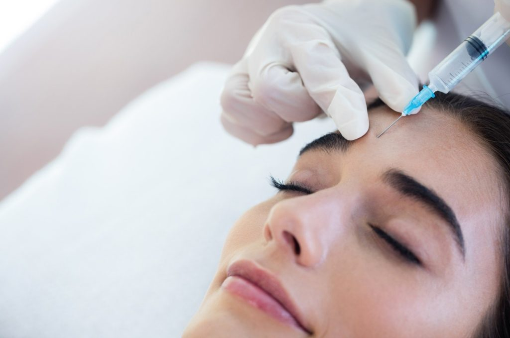 Woman receiving botox injection at spa, Image: 280779326, License: Royalty-free, Restrictions: , Model Release: yes, Credit line: Profimedia, Wavebreak