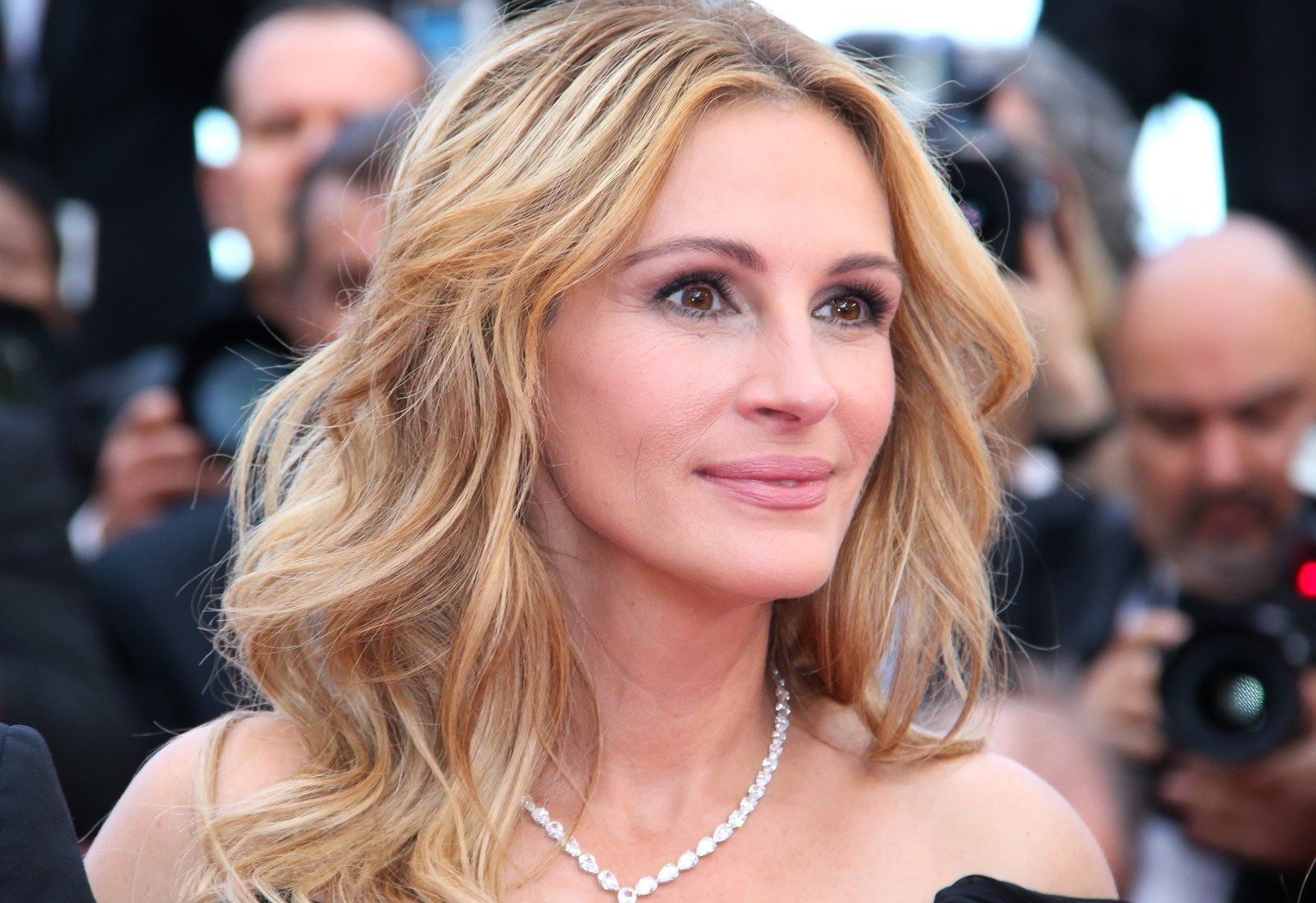 julia roberts - CANNES 2016 - MONTEE DES MARCHES DU FILM 'MONEY MONSTER', Image: 284281184, License: Rights-managed, Restrictions: NO RESTRICTION, Model Release: no, Credit line: Profimedia, Visual