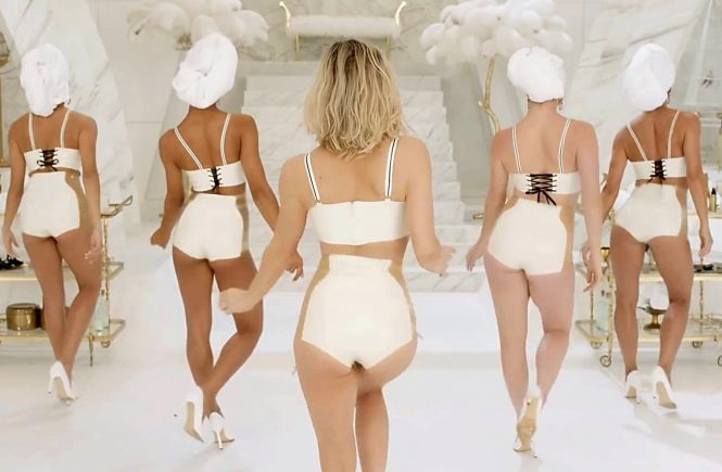 USA. Fergie in her new music video for the song : 'M.I.L.F. $' (pronounced 'Milf money' , ©Interscope) . it features Fergie with a group of famous mothers, including Kim Kardashian West, Chrissy Teigen, Alessandra Ambrosio, Ciara, Gemma Ward, Tara Lynn, Devon Aoki, Angela Lindvall, Isabeli Fontana, Amber Valletta, and Natasha Poly as lingerie-clad 1950s housewives., Image: 294526654, License: Rights-managed, Restrictions: Supplied by Landmark Media. Editorial Only. Landmark Media is not the copyright owner of these Film or TV stills but provides a service only for recognised Media outlets., Model Release: no, Credit line: Profimedia, Landmark