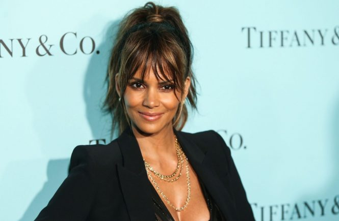 Beverly Hills, CA - Part 2 - Halle Berry attends Tiffany And Co. celebration unveiling of the renovated Beverly Hills store held at Tiffany And Co. Beverly Hills. October 13, 2016, Image: 302776835, License: Rights-managed, Restrictions: , Model Release: no, Credit line: Profimedia, AKM-GSI
