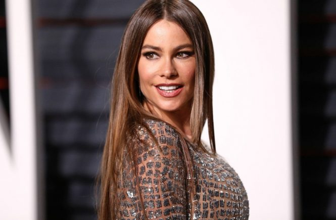 BEVERLY HILLS - FEBRUARY 26: Sofia Vergara attends the Vanity Fair Oscar Party 2017 on February 26, 2017 in Beverly Hills, California., Image: 322570592, License: Rights-managed, Restrictions: , Model Release: no, Credit line: Profimedia, Face To Face A