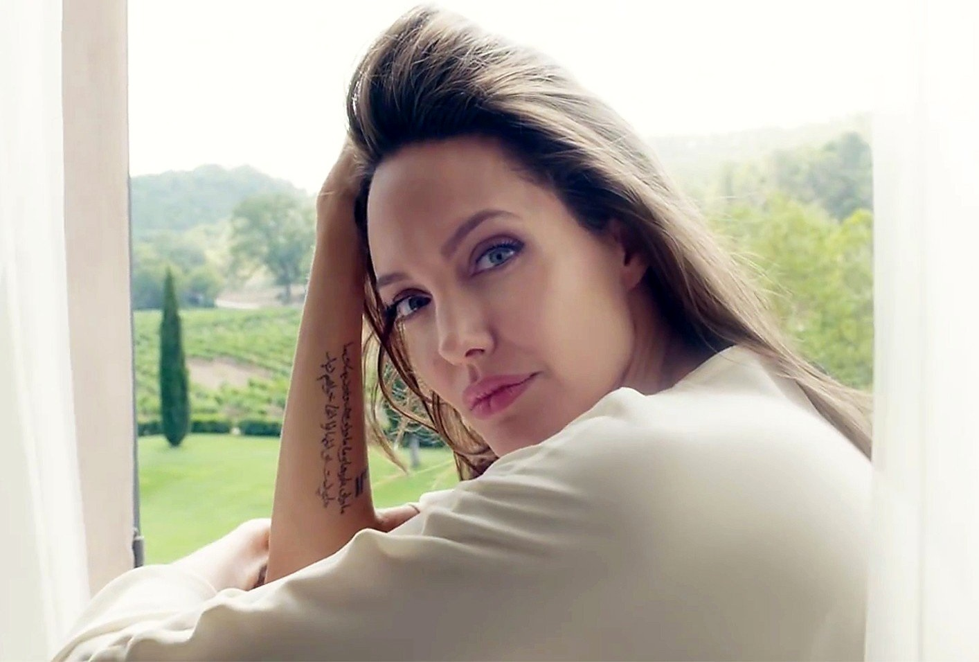 Angelina Jolie in clip stills of 'Notes of a Woman', the promotional film for Guerlain's new fragrance 'MonGuerlain'. Guerlain Parfumeur, the French beauty brand since 1828, has announced that Angelina Jolie is the icon of its new fragrance for women, 'MonGuerlain'. The actress has announced she will donate her incomes from the campaign to several charities., Image: 322876020, License: Rights-managed, Restrictions: EDITORIAL USE ONLY, Model Release: no, Credit line: Profimedia, Balawa Pics