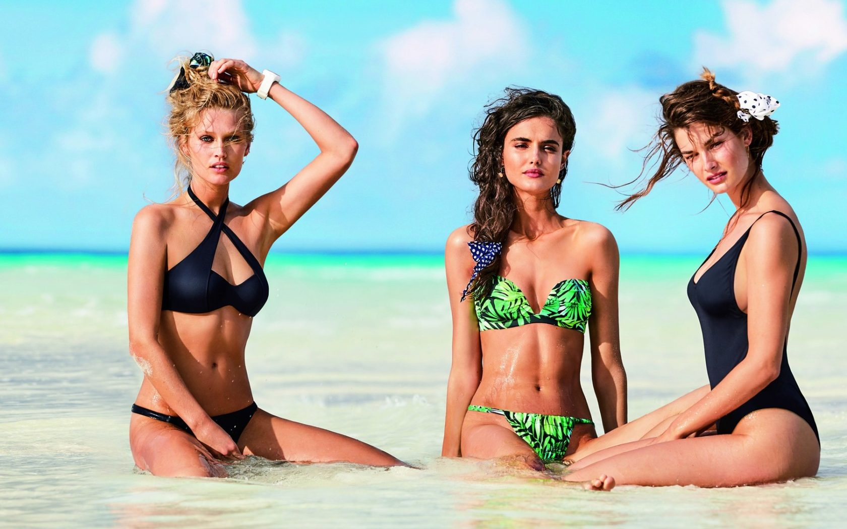 Fashion models Spanish Blanca Padilla and German Toni Garrn star in Calzedonia Spring Summer 2017 swimwear collection., Image: 329529116, License: Rights-managed, Restrictions: EDITORIAL USE ONLY, Model Release: no, Credit line: Profimedia, Balawa Pics