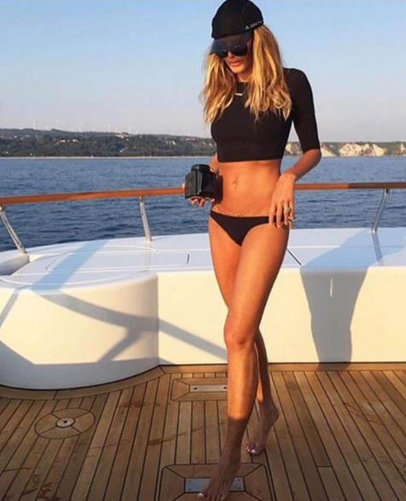 "6-7-2017 Elle Macpherson writes ""#tbt ??- @superelixir @melissaodabash and great inspiration for @ellemacphersonbody #lingerie sporty and sexy. Pictured: Elle Macpherson, Image: 341004260, License: Rights-managed, Restrictions: , Model Release: no, Credit line: Profimedia, Planet"
