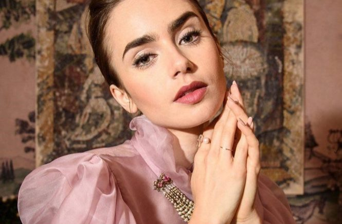 "Lily Collins (lilyjcollins / 27.07.2017): ""It's all about the costumes on @LastTycoonTV! Chatting with @WWD about Celia Brady's wardrobe, thirties fashion, and stepping out of my comfort zone!.., Image: 343290799, License: Rights-managed, Restrictions: , Model Release: no, Credit line: Profimedia, Face To Face A"