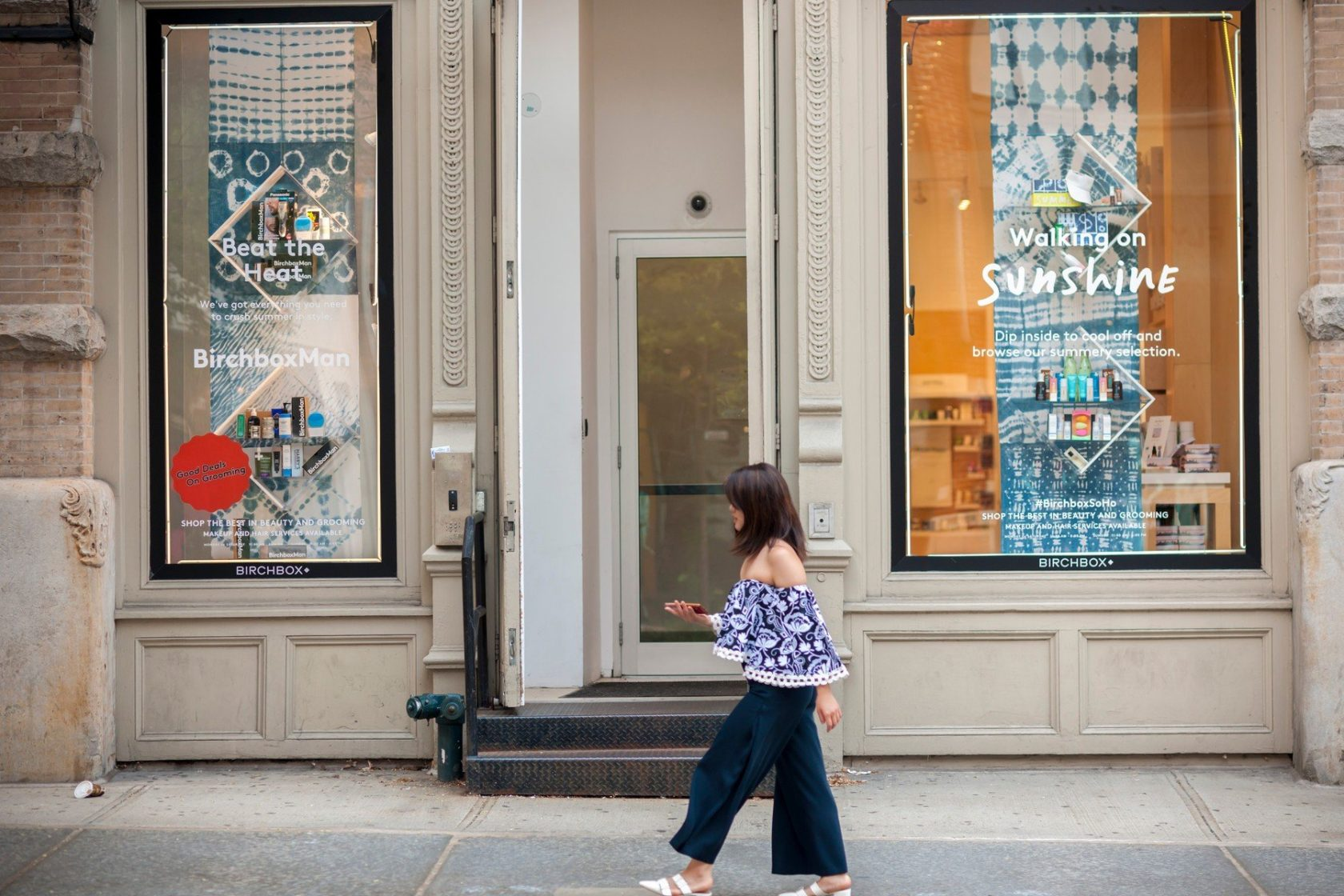 A brick-and-mortar store of the cosmetics subscription service Birchbox in the Soho neighborhood of New York on Thursday, August 10, 2017. Walmart is reported to have had talks about acquiring the beauty seller., Image: 344731654, License: Rights-managed, Restrictions: WORLD RIGHTS excluding USA- Fee Payable Upon Reproduction - For queries contact Avalon.red - sales@avalon.red London: +44 (0) 20 7421 6000 Los Angeles: +1 (310) 822 0419 Berlin: +49 (0) 30 76 212 251, Model Release: no, Credit line: Profimedia, UPPA News