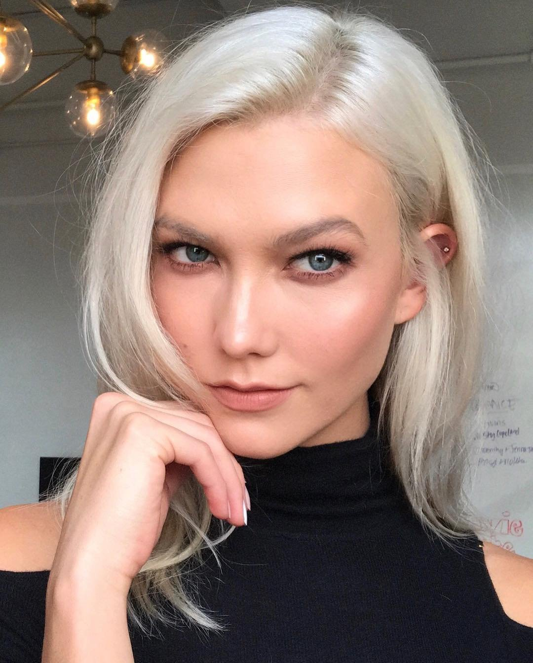 "Karlie Kloss releases a photo on Instagram with the following caption: ""Thinking about ud83cudf6a""., Image: 349325302, License: Rights-managed, Restrictions: *** No USA Distribution *** For Editorial Use Only *** Not to be Published in Books or Photo Books *** Handling Fee Only ***, Model Release: no, Credit line: Profimedia, SIPA USA"