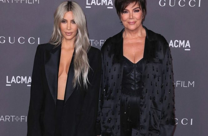 LOS ANGELES - NOVEMBER 4: Kim Kardashian and Kris Jenner at the 2017 LACMA Art + Film Gala at LACMA on November 4, 2017 in Los Angeles, California., Image: 354741903, License: Rights-managed, Restrictions: *** World Rights ***, Model Release: no, Credit line: Profimedia, SIPA USA