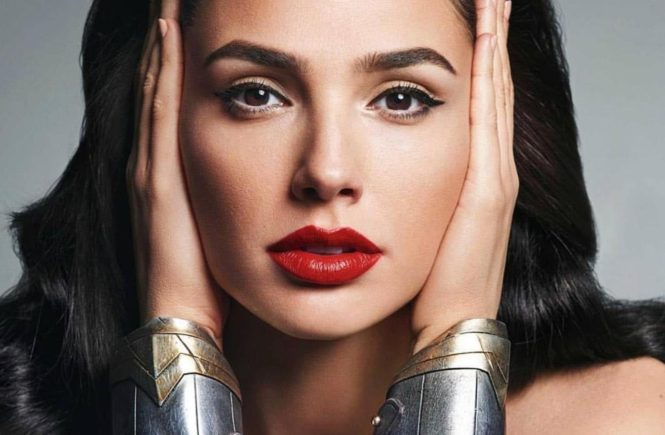 "Gal Gadot (gal_gadot / 30.11.2017): ""Hello Everyone! Im coming to Long Island, NY December 9 & 10 to meet you @acecomiccon #ad! I am so excited to see you, and be reunited with some of the #JusticeLeague as @henrycavill, @prideofgypsies, @rehsifyar, #EzraMiller, & #CiarnHinds are coming too! For tickets and more info, check out www.aceuniverse.com. I hope you can make it!, Image: 356558791, License: Rights-managed, Restrictions: , Model Release: no, Credit line: Profimedia, Face To Face A"
