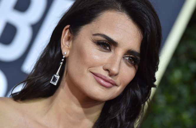 75th Annual Golden Globe Awards - Arrivals. The Beverly Hilton Hotel, Beverly Hills, CA. EVENT January 7, 2018. 07 Jan 2018 Pictured: Penelope Cruz., Image: 359558353, License: Rights-managed, Restrictions: World Rights, Model Release: no, Credit line: Profimedia, Mega Agency