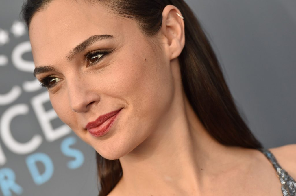 23rd Annual Critics' Choice Awards. Barker Hangar, Santa Monica, CA. Pictured: Gal Gadot. EVENT January 11, 2018 Job: 180111A1, Image: 359939639, License: Rights-managed, Restrictions: 000, Model Release: no, Credit line: Profimedia, Bauer Griffin