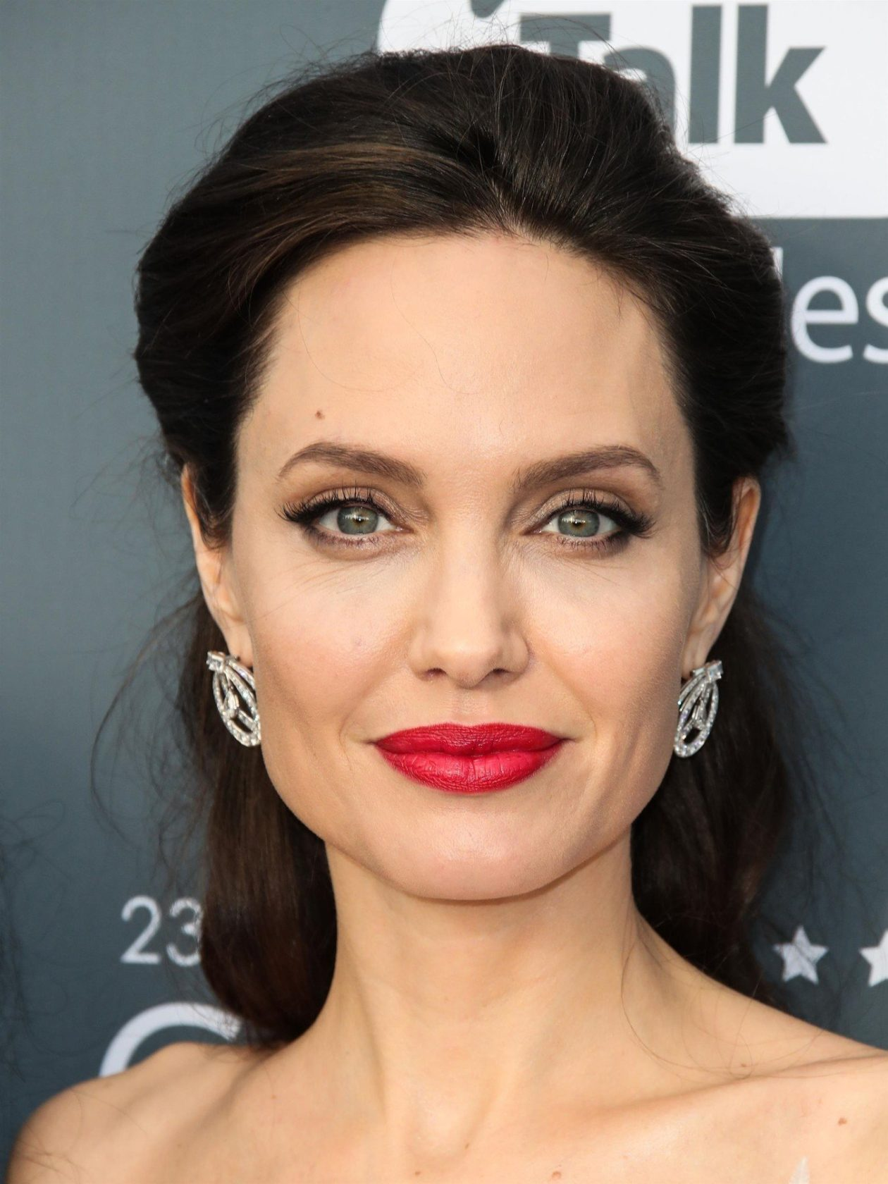 Santa Monica, CA - Actress Angelina Jolie glows as she is seen wearing a Ralph & Russo dress, Stuart Weitzman shoes, and Neil Lane jewelry arrives at the 23rd Annual Critics' Choice Awards held at Barker Hangar. Pictured: Angelina Jolie BACKGRID USA 11 JANUARY 2018, Image: 359953749, License: Rights-managed, Restrictions: , Model Release: no, Credit line: Profimedia, AKM-GSI