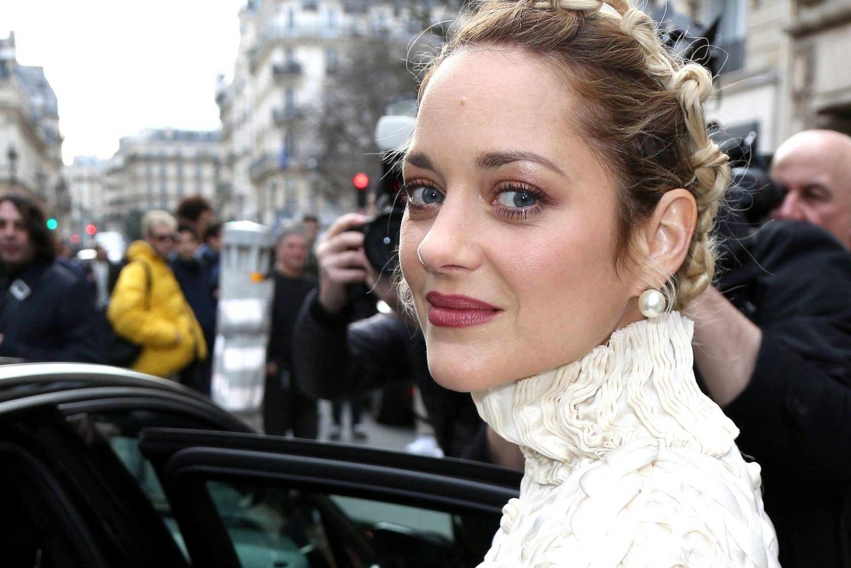 Marion Cotillard seen arriving at Jean-Paul Gaultier Fashion Show in Paris on January 24 2018. //HAEDRICHJM_001JMH/Credit:Jean-Marc Haedrich/SIPA/1801250516, Image: 361277781, License: Rights-managed, Restrictions: , Model Release: no, Credit line: Profimedia, TEMP Sipa Press