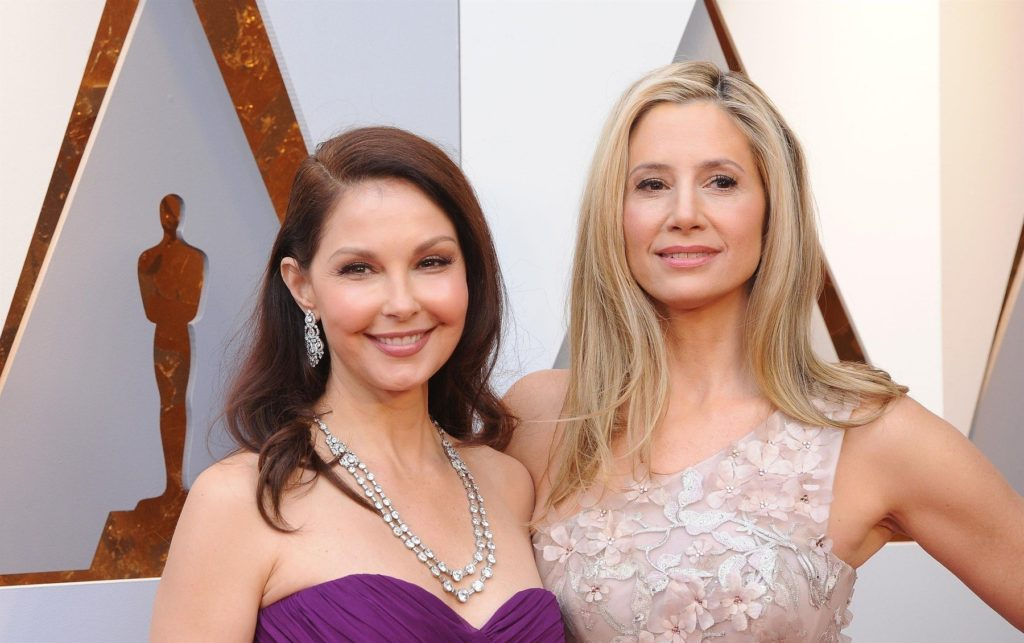 Hollywood, CA - Stars pose at The 90th Annual Academy Awards - Arrivals held at The Hollywood & Highland Center in Hollywood. Pictured: Mira Sorvino, Ashley Judd BACKGRID USA 4 MARCH 2018, Image: 365109292, License: Rights-managed, Restrictions: , Model Release: no, Credit line: Profimedia, AKM-GSI