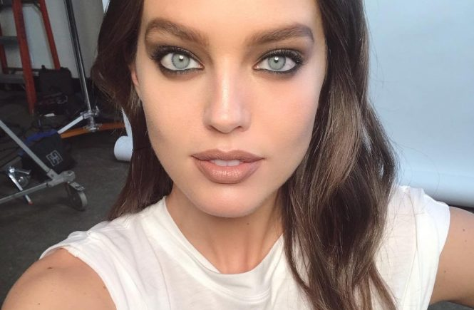 Emily DiDonato has posted a photo on Instagram with the following remarks: New day, new face. ????????Thanks @erinparsonsmakeup @kennalandny @maybelline ???? #BTS Twitter, 2018-03-23 15:48:14. Photo supplied by insight media. Service fee applies. NICHT ZUR VERÖFFENTLICHUNG IN BÜCHERN UND BILDBÄNDEN! EDITORIAL USE ONLY! / MAY NOT BE PUBLISHED IN BOOKS AND ILLUSTRATED BOOKS! Please note: Fees charged by the agency are for the agency's services only, and do not, nor are they intended to, convey to the user any ownership of Copyright or License in the material. The agency does not claim any ownership including but not limited to Copyright or License in the attached material. By publishing this material you expressly agree to indemnify and to hold the agency and its directors, shareholders and employees harmless from any loss, claims, damages, demands, expenses (including legal fees), or any causes of action or allegation against the agency arising out of or connected in any way with publication of the material., Image: 366758206, License: Rights-managed, Restrictions: NICHT ZUR VERÖFFENTLICHUNG IN BÜCHERN UND BILDBÄNDEN! Please note additional conditions in the caption, Model Release: no, Credit line: Profimedia, Insight Media