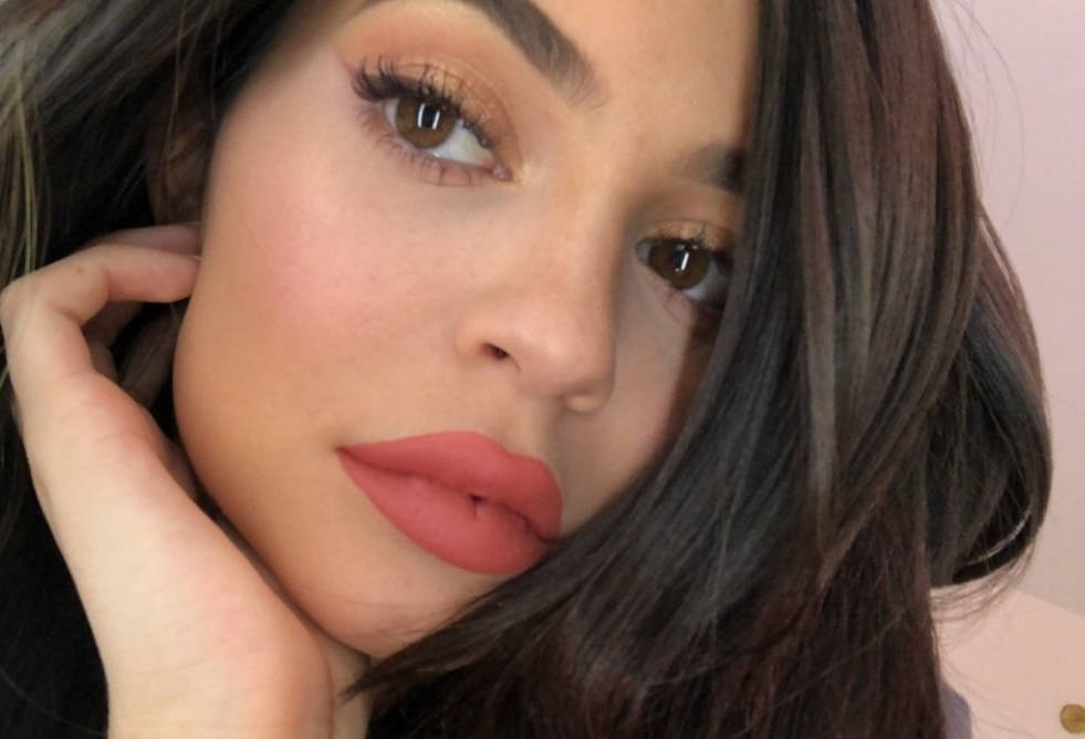 Kylie Jenner has posted a photo on Instagram with the following remarks: Twitter, 2018-04-25 12:40:41. Photo supplied by insight media. Service fee applies. NICHT ZUR VERÖFFENTLICHUNG IN BÜCHERN UND BILDBÄNDEN! EDITORIAL USE ONLY! / MAY NOT BE PUBLISHED IN BOOKS AND ILLUSTRATED BOOKS! Please note: Fees charged by the agency are for the agency's services only, and do not, nor are they intended to, convey to the user any ownership of Copyright or License in the material. The agency does not claim any ownership including but not limited to Copyright or License in the attached material. By publishing this material you expressly agree to indemnify and to hold the agency and its directors, shareholders and employees harmless from any loss, claims, damages, demands, expenses (including legal fees), or any causes of action or allegation against the agency arising out of or connected in any way with publication of the material., Image: 369646895, License: Rights-managed, Restrictions: NICHT ZUR VERÖFFENTLICHUNG IN BÜCHERN UND BILDBÄNDEN! Please note additional conditions in the caption, Model Release: no, Credit line: Profimedia, Insight Media