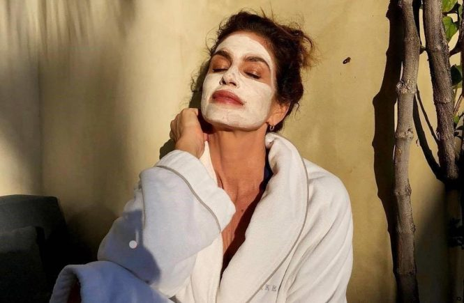 """Cindy Crawford (cindycrawford / 20.05.2018): Sundays."""""""", Image: 372568119, License: Rights-managed, Restrictions: , Model Release: no, Credit line: Profimedia, Face To Face A"""