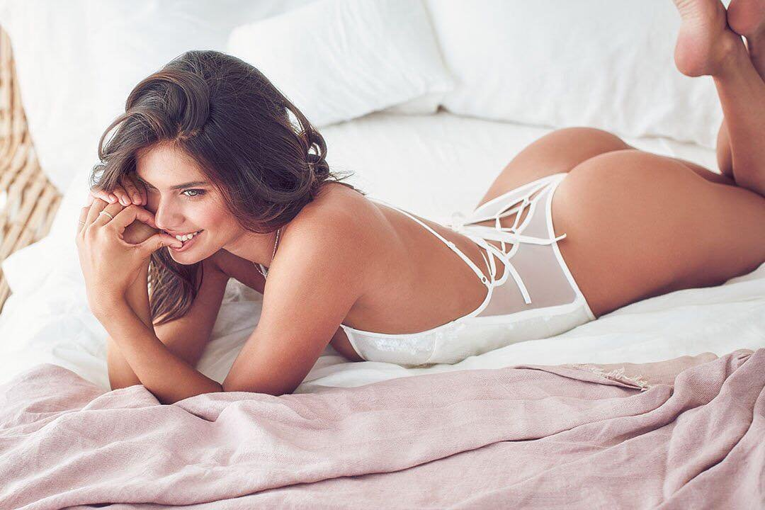 Victoria's Secret has posted a photo on Instagram with the following remarks: Tie the knot, or a bow or whatever ???? #XOVictoria Twitter, 2018-05-22 11:15:18. Photo supplied by insight media. Service fee applies. NICHT ZUR VERÖFFENTLICHUNG IN BÜCHERN UND BILDBÄNDEN! EDITORIAL USE ONLY! / MAY NOT BE PUBLISHED IN BOOKS AND ILLUSTRATED BOOKS! Please note: Fees charged by the agency are for the agency's services only, and do not, nor are they intended to, convey to the user any ownership of Copyright or License in the material. The agency does not claim any ownership including but not limited to Copyright or License in the attached material. By publishing this material you expressly agree to indemnify and to hold the agency and its directors, shareholders and employees harmless from any loss, claims, damages, demands, expenses (including legal fees), or any causes of action or allegation against the agency arising out of or connected in any way with publication of the material., Image: 372574516, License: Rights-managed, Restrictions: NICHT ZUR VERÖFFENTLICHUNG IN BÜCHERN UND BILDBÄNDEN! Please note additional conditions in the caption, Model Release: no, Credit line: Profimedia, Insight Media