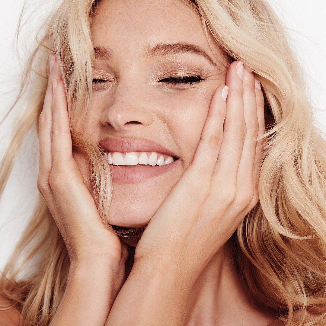 Victoria's Secret has posted a photo on Instagram with the following remarks: This gets a ‼️ Our all-new Angel Edit just dropped with a limited-edition collection of beauty must-haves. #VSBeauty Twitter, 2018-09-13 11:05:31. Photo supplied by insight media. Service fee applies. NICHT ZUR VERÖFFENTLICHUNG IN BÜCHERN UND BILDBÄNDEN! EDITORIAL USE ONLY! / MAY NOT BE PUBLISHED IN BOOKS AND ILLUSTRATED BOOKS! Please note: Fees charged by the agency are for the agency's services only, and do not, nor are they intended to, convey to the user any ownership of Copyright or License in the material. The agency does not claim any ownership including but not limited to Copyright or License in the attached material. By publishing this material you expressly agree to indemnify and to hold the agency and its directors, shareholders and employees harmless from any loss, claims, damages, demands, expenses (including legal fees), or any causes of action or allegation against the agency arising out of or connected in any way with publication of the material., Image: 386536801, License: Rights-managed, Restrictions: NICHT ZUR VERÖFFENTLICHUNG IN BÜCHERN UND BILDBÄNDEN! Please note additional conditions in the caption, Model Release: no, Credit line: Profimedia, Insight Media