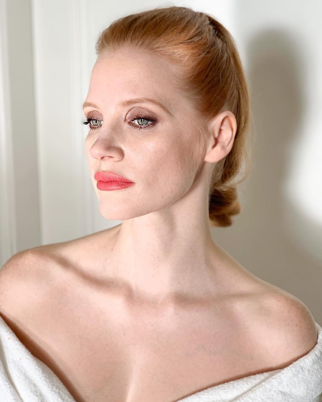 Jessica Chastain has posted a photo on Instagram with the following remarks: #tbt to this glam look @renatocampora ・・・ #goldenglobes #repost Twitter, 2019-01-11 11:32:40. Photo supplied by insight media. Service fee applies. NICHT ZUR VERÖFFENTLICHUNG IN BÜCHERN UND BILDBÄNDEN! EDITORIAL USE ONLY! / MAY NOT BE PUBLISHED IN BOOKS AND ILLUSTRATED BOOKS! Please note: Fees charged by the agency are for the agency's services only, and do not, nor are they intended to, convey to the user any ownership of Copyright or License in the material. The agency does not claim any ownership including but not limited to Copyright or License in the attached material. By publishing this material you expressly agree to indemnify and to hold the agency and its directors, shareholders and employees harmless from any loss, claims, damages, demands, expenses (including legal fees), or any causes of action or allegation against the agency arising out of or connected in any way with publication of the material., Image: 406548462, License: Rights-managed, Restrictions: NICHT ZUR VERÖFFENTLICHUNG IN BÜCHERN UND BILDBÄNDEN! Please note additional conditions in the caption, Model Release: no, Credit line: Profimedia, Insight Media